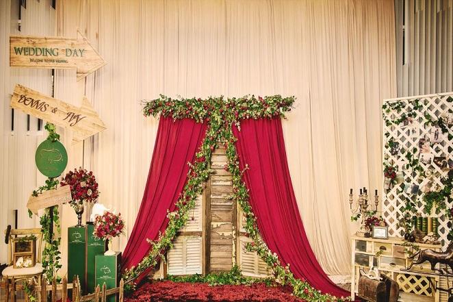 婚庆布置-婚庆迎宾照片布置图片